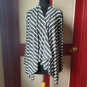 Ab Studio sweater/cape.  Gray and white.  Large